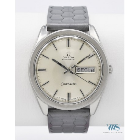 OMEGA (Seamaster Sport / Double Calendrier réf. 166.032), vers 1968