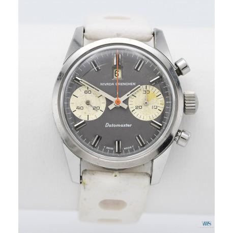 NIVADA GRENCHEN (Chronographe Datomaster / Panda Grey / réf. 87003), vers 1969