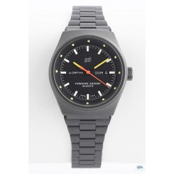 PORSCHE DESIGN (Lady Grise Aviation quartz - By Orfina Suisse – Cadran noir / réf. 7050S), vers 1978